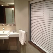 Blinds-Plaswood-50mm-bathroom