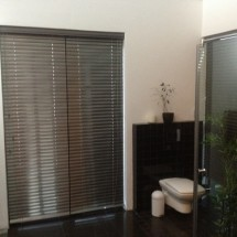Blinds-Aluminium-50mm-Bathroom3