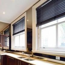 Black-Basswood-50mm-in-stunning-kitchen
