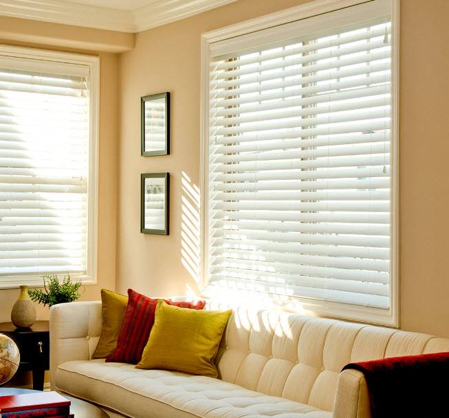 Allow more light in your living room with blinds